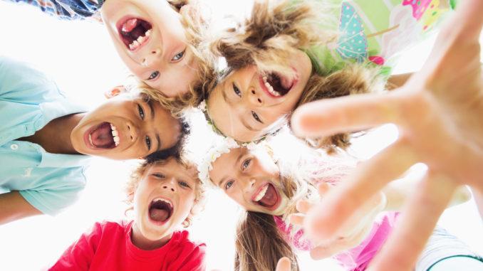 lekar för barn utomhus